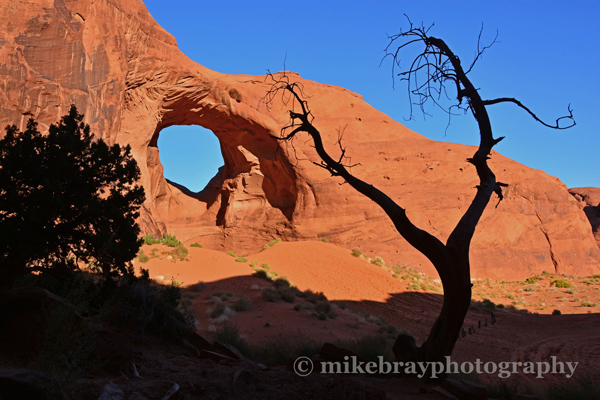 Sandstone, Monument Valley, Hole in the wall, red rock, landscape, desert