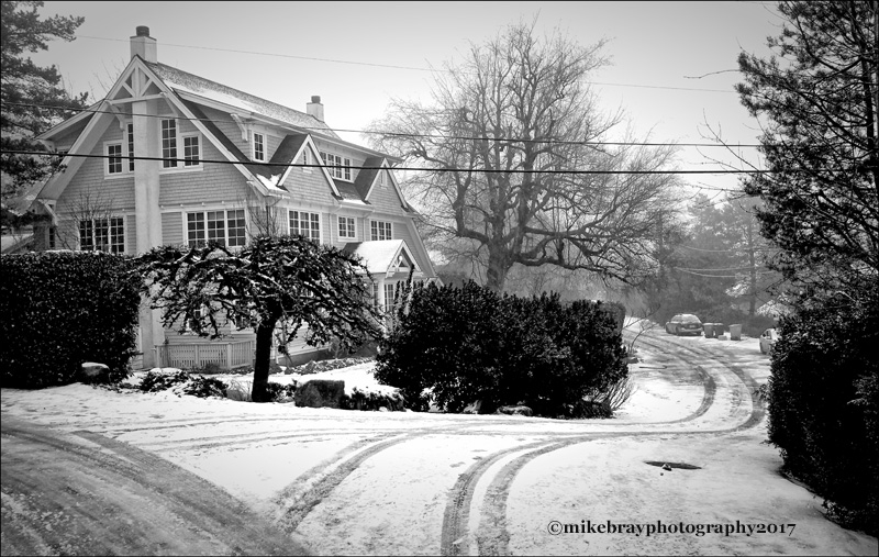 greenhills-way-in-white